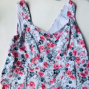Torrid size 2 Women's  floral flower tank top
